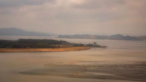 Advanced Com -  Across Imjin River - Lorraine Hardy
