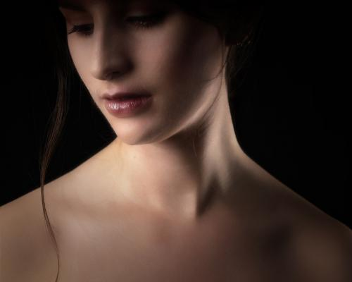 elegance Lorraine Hardy