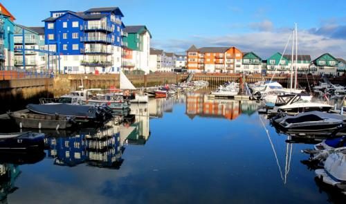 2 exmouth harbour