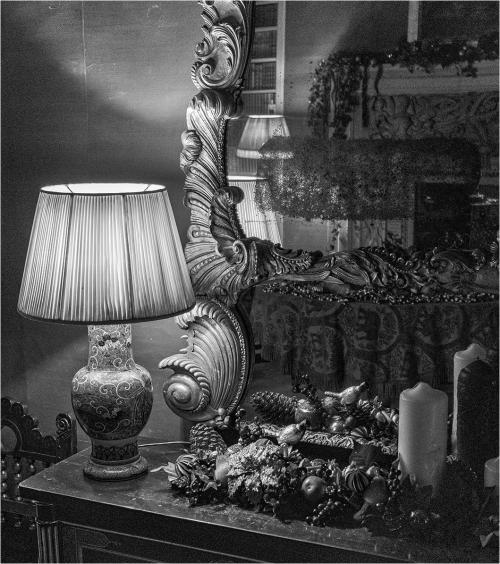 1 Decorations B Tim Stokes-min