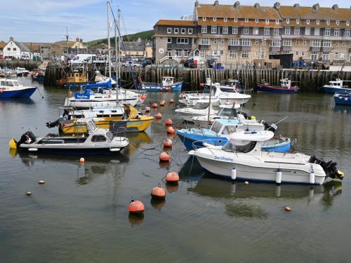 2 Buoys and Boats Intermediate Alan Foster-min