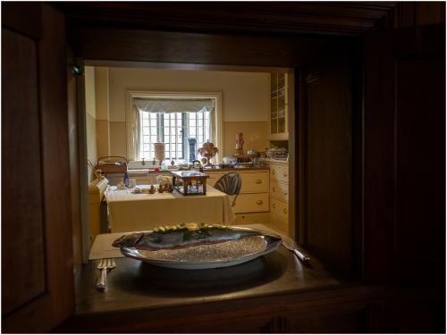 Advanced Pdi Comm Wightwick manor kitchen Iain Moore